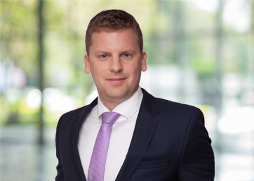 Ákos Boross, CORPORATE FINANCE | Managing director, partner